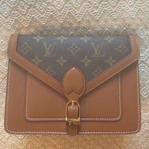 Louis Vuitton cross body bag never worn
